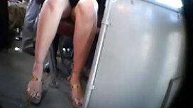 Patlat fitnes trener gura pičkicu meme porn sportske žene kroz rupu u gamarama