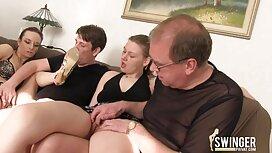 Lovelace je s hut porn analnom rupom navukao sočnu plavušu na njegov penis i spustio je u dupe