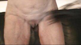 Tip u maski jeba Shmaru u pičku prno film nakon što je probio rupu pomoću seksualnog stroja