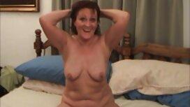 Velika guza djevojka jaše na pornoci prtljažniku od uzbuđenja