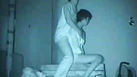 BBW podučava lezbijsku umjetnost pornou ljubavi u razredu joge koristeći pumpu i kuni