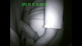 Crnka s malim sisama podmazala video porno hd se i predala momku na stolu za masažu