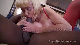 Dečki star wars porno istodobno udaraju plavokosu mamu s macom s anusom u hotelsku sobu