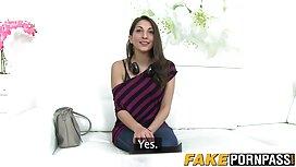 Lezbijka dobiva orgazam u sexsporno sobi za masažu