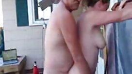 Plavokosa njemačka djevojka s tetovažama na tijelu zajebava se video parno s muškarcem u kondomu