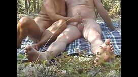 18-godišnja erotik vidio pervertira skinula je haljinu i zabavljala se u anusu seksualnim igračkama