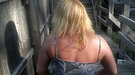 Zrela plavuša pokazuje sočne porno historia sise na audiciji